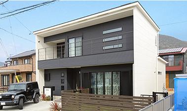 外壁:防火サイディング×ガルバリウム鋼板屋根:ガルバリウム鋼板
