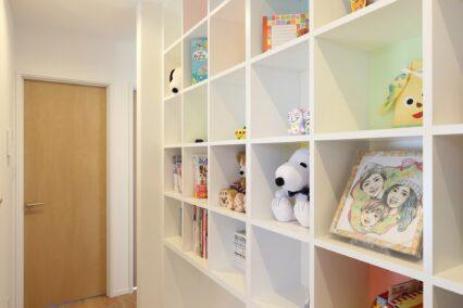 音楽や本など自分たちの趣味を思う存分楽しむための空間を実現!