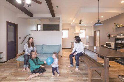 シャビーシックなデザインで家事・子育てが楽しくなる家