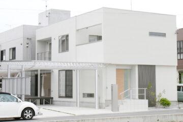 美を追求した白亜の邸宅