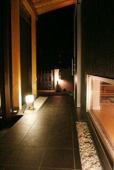 黒の美邸01