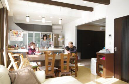 四世代9人の大家族。理想の多世代住宅を実現するために。